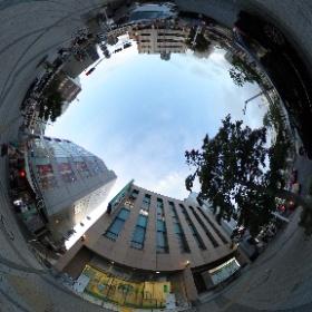 逗子の三井住友銀行です。 駅から近いですよ。  www.zushi-seitai.com ドイツ式カイロプラクティック逗子整体院 #theta360