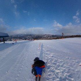 #snowcrystal3d モンハン視点からのおいらッス。 結局、何本か滑った後転倒し、右胸を強打して気力が萎えました。折角のステントがひしゃげたかも? 昼過ぎにゲレンデを後にしました。一日券が・・・。 #theta360