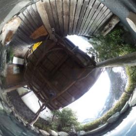奈良田温泉 石造りの露天風呂