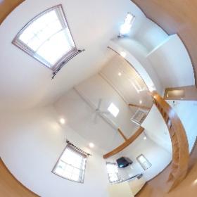 本日、ルームクリーニングも終わり、ピッカピカに綺麗に仕上がったお部屋の写真を撮ってきました。360度写真です。お部屋をぐるりとご覧ください。 物件の詳細はコチラ→http://www.toyo-sumai.co.jp/bukken/syousai/0/1366ssi.html    #さいたま #大宮 #アパート #ロフト #賃貸 #入居者 #募集 #お洒落 #おしゃれ #デザイン   #theta360