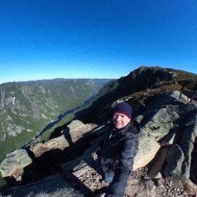 Au sommet de l'Acropole des Draveurs au parc des Hautes-Gorges de la rivière Malbaie #theta360 #theta360fr