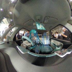 今年もダイハツブースでミクさんに試乗してもらった。 #dbc #miku360  #theta360