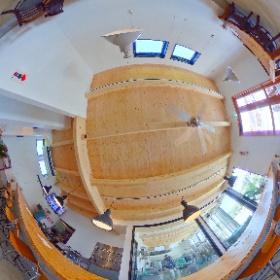 小田急開成駅、徒歩7分にあるブルワリーレストラン「Garapago Racing Kaisei Handmade Beer」。1階です。
