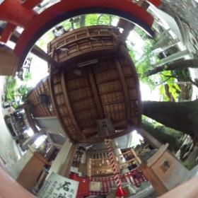 洲崎神社(愛知)の鳥居くぐり  photo : 360度カメラ研究会(http://camera-360do.com/) by ほーりー