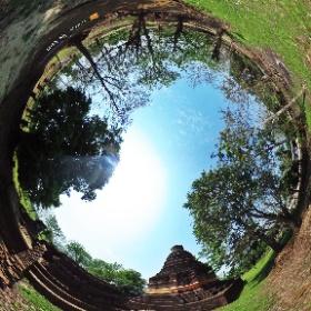 วัดธาตุเขียว ( วัดร้าง โบราณสถาน ) Wat That Khieo บ้านเชียงแสนน้อย ตำบลเวียง อำเภอเชียงแสน จังหวัดเชียงราย 57150 @ http://www.Wat.today/ @ http://www.วัด.ไทย/
