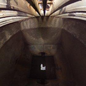 排水溝に入ったらこんな景色なのかな? #theta360