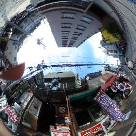 どぶ板通り@横須賀 アメリカンネイビーバーガーのお店。 見るだけでも「すげー」と思わず言ってしまいたくなるボリュームあるメニューの多さ。  ドイツ式カイロプラクティック逗子整体院 www.zushi-seitai.com    #theta360