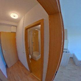 Zimmer für Monteure im Haus am Rügendamm, hier: Flur und Bad #theta360