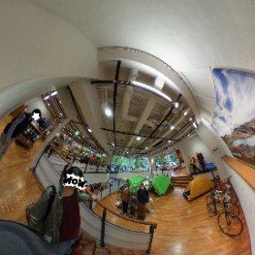 モンベル本社ANNEXなんと、7階までブチ抜き‼︎(写真は1-2階) #theta360