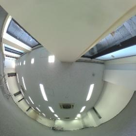 銀座ストラパックビル3階