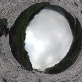 2017.07.29白馬大雪渓-クレバス「ルートがかなり閉塞しています」この部分は左の崖際しか歩くことができませんでした。 #theta360