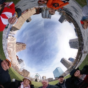 Awesome family photo! You can barely tell how bruised we all are December 24 is my sister's birthday so we went #iceskating and then rode to the top of the arch. @gatewayarchnps @stlouisblues #santa #stlouis #christmas #merrychristmas#theta360 #theta360