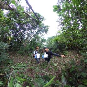 【ミチタリタ 篠島探検 ココロ】 ここはど~こだ? 新しいFacebookボードの周りでは役に立たない二人は篠島探検しました。 ディープな篠島紹介します♪ #ウミひとココロ #探検 #theta360