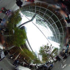 東京国際フォーラムでデロリアン! #theta360