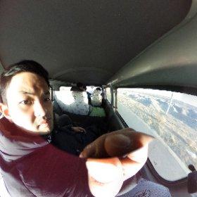 タクシーがなくなり慌てましたが、頼んで観光の人たちの車に乗せてもらえました。荷台に席を作ってもらいました。 #theta360