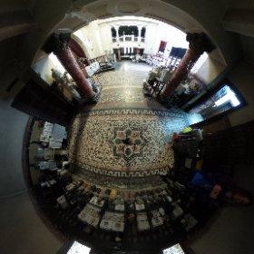 Spre sala principala - Crematoriul Cenusa