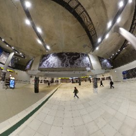 渋谷川の下を潜れる渋谷地下広場でシータ。 特に何も書いてないけど、 渋谷川を潜るための高低差がみそ。 #渋谷川 #theta360