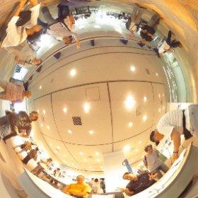 里ほっと「見沼たんぼ写真展」里ほっとメンバー記念写真。 浦和パルコ9階にて 埼玉市民活動センター   #里ほっと #写真展 #見沼たんぼ #浦和 #パルコ #里山#かかし #埼玉市民活動センター #theta360