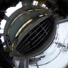 樽築港駅 出てすぐ 電車内にて #まるちゃん写真集  #まるちゃん北海道旅行 #theta360