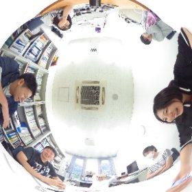 健康心理学科,堤研究室.ゼミの学生指導中にお邪魔して全天球イメージを撮影してきました. #theta360