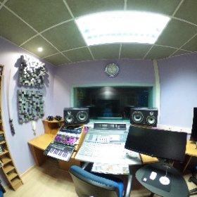 Vista en 360 ° de la sala de control de los Estudios Séptimo Cielo #theta360