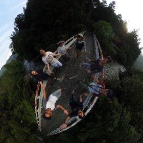 大人に林間学校準備橋の上 #theta360