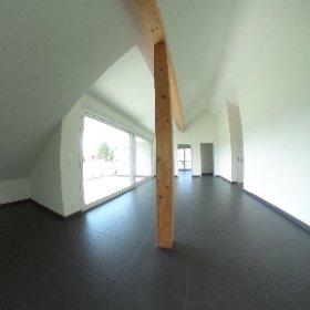 Moderne Dachwohnung mit Balkon und Carport in Reinach BL zu verkaufen
