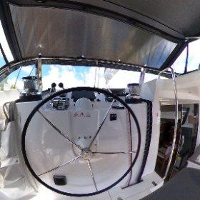 2016 Privilege Serie 5 Catamaran ANDANTE - Helm Station