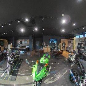 2021 IWATE モーターサイクルフェスタ主催ディーラー、カワサキプラザ盛岡店内紹介360°写真 #theta360