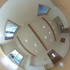 梁のある広々リビング 那珂川町茶色タイルの家 #福建住宅株式会社 #theta360