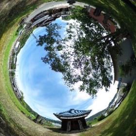 羽廣観音堂 瑞浪市稲津町 弘法大師を祀る正方形の観音堂です。傍らには弥勒や阿弥陀など多くの石佛が置かれています。 http://xn--w0w51m.com/reijo101/ #theta360